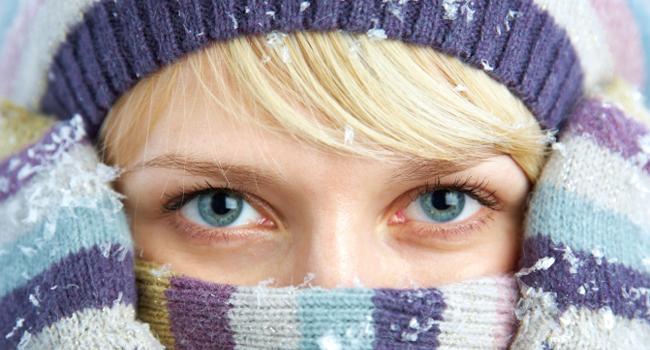 Защищать лицо от воздействия холода с помощью шарфа